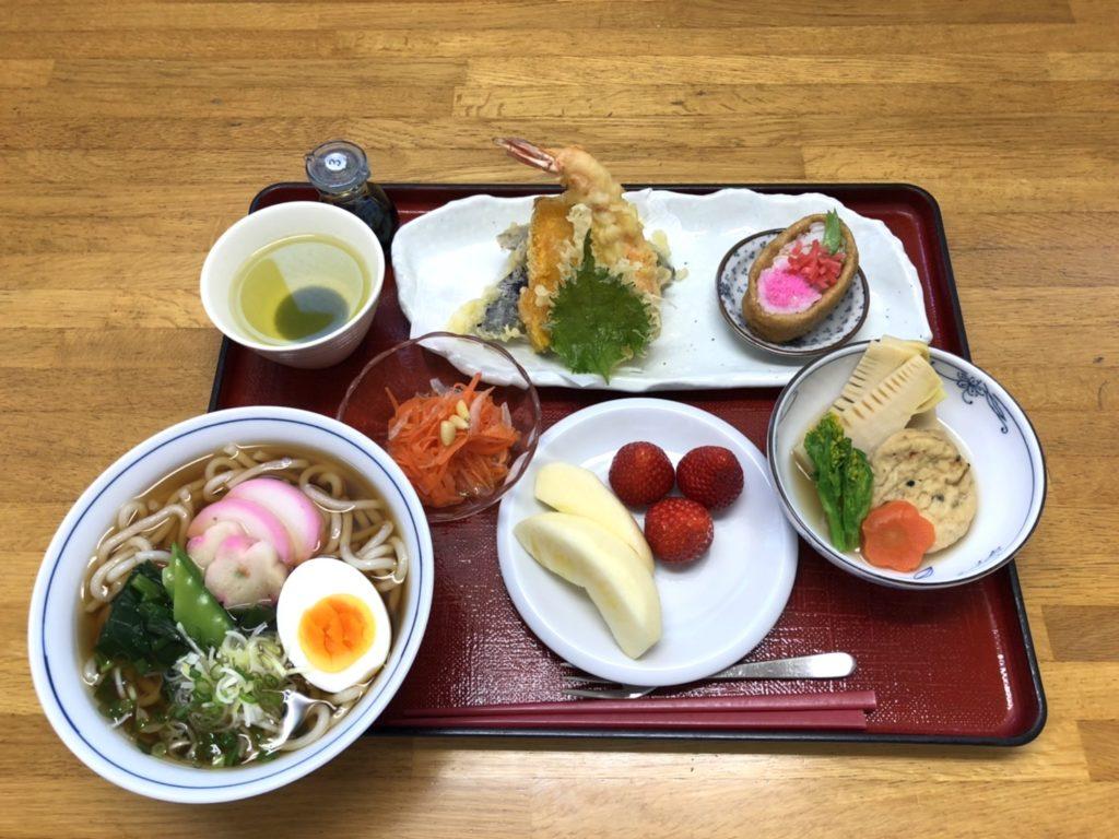 食事:昼食